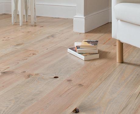 Lakierowanie podłogi drewnianej